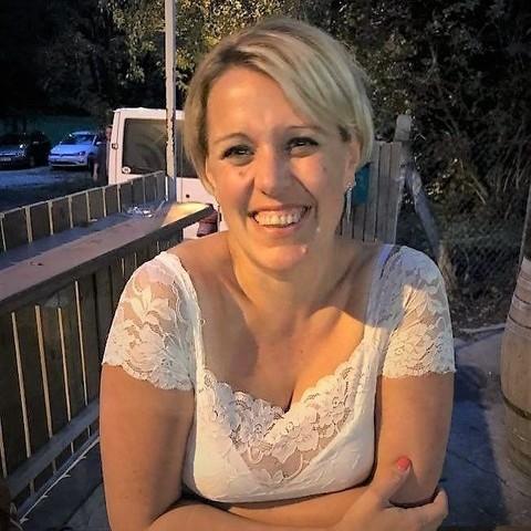 Eszti, 39 éves társkereső nő - Dunakeszi