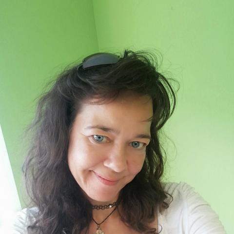 Emőke, 46 éves társkereső nő - Székesfehérvár