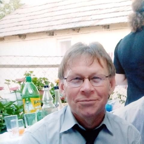 Károly, 66 éves társkereső férfi - Dunaújváros