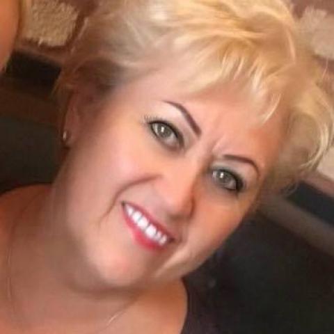 Vivi, 59 éves társkereső nő - Cegléd