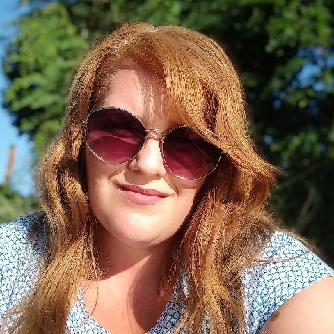 Adrienn, 25 éves társkereső nő - Miskolc