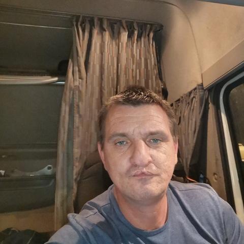 Attila , 44 éves társkereső férfi - Kaposvár