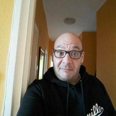 Lazlo, 46 éves társkereső férfi - Zalaegerszeg