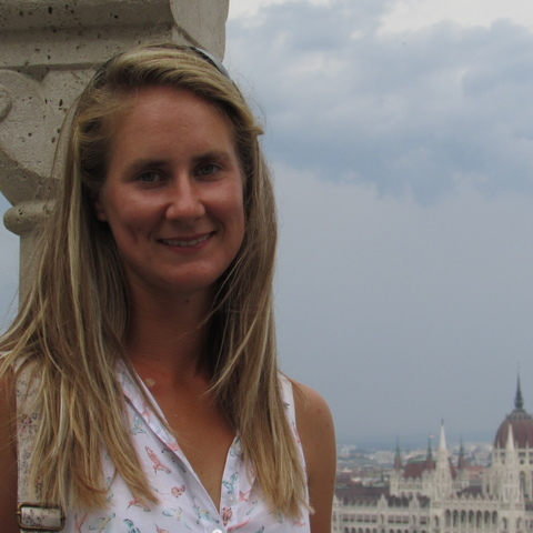 Eszter, 24 éves társkereső nő - Erdőkertes