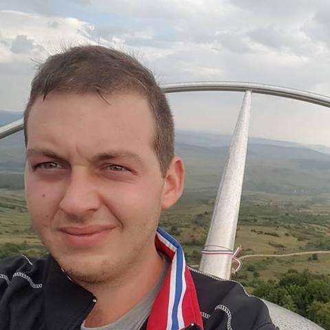 Zsolt, 28 éves társkereső férfi - Tolna