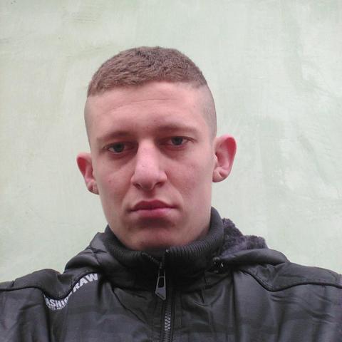 István, 20 éves társkereső férfi - Timár