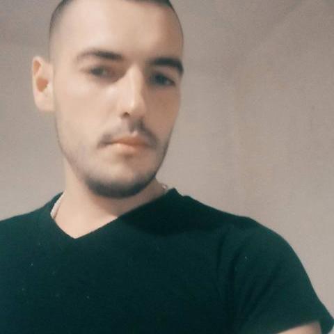 Gyula, 29 éves társkereső férfi - Kápolna
