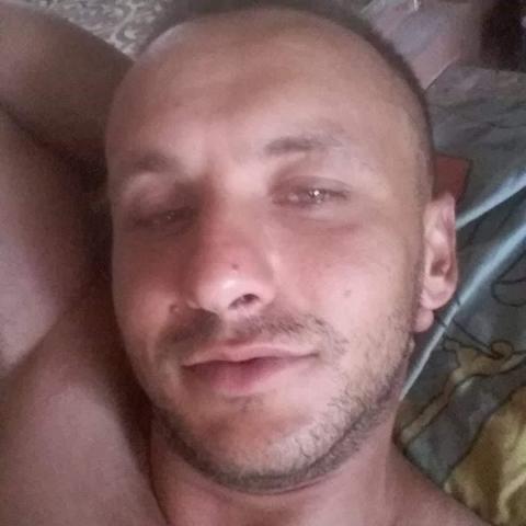Krisztián, 34 éves társkereső férfi - Salgótarján