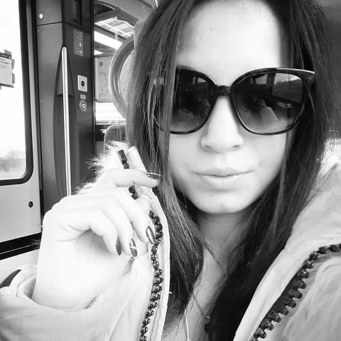 Nikolett, 20 éves társkereső nő - Esztergom
