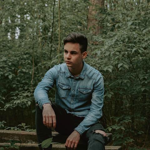 Ákos, 20 éves társkereső férfi - Ásotthalom