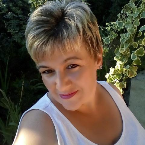 Zita, 40 éves társkereső nő -