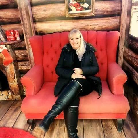 Viki, 54 éves társkereső nő - Budapest