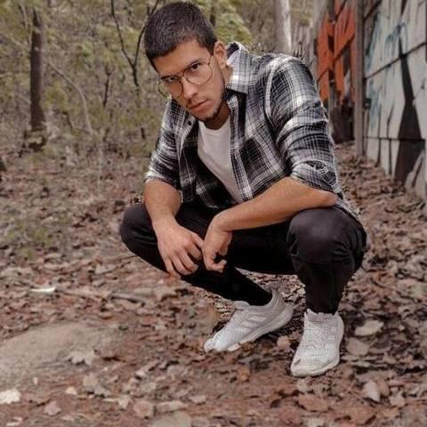Matyi, 20 éves társkereső férfi - Kulcs