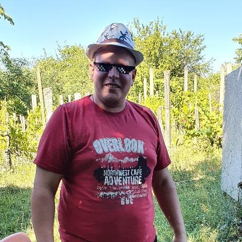 Bence, 30 éves társkereső férfi - Kerepes