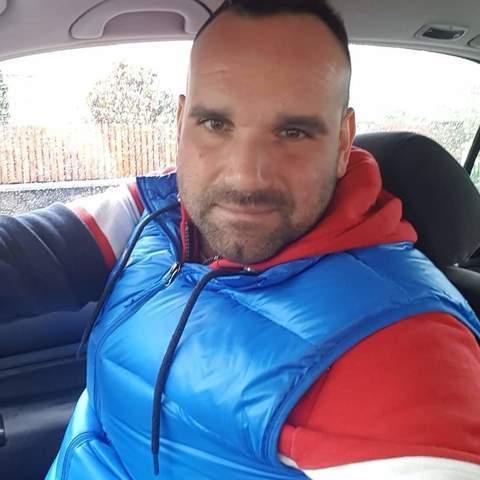 Robi, 37 éves társkereső férfi -