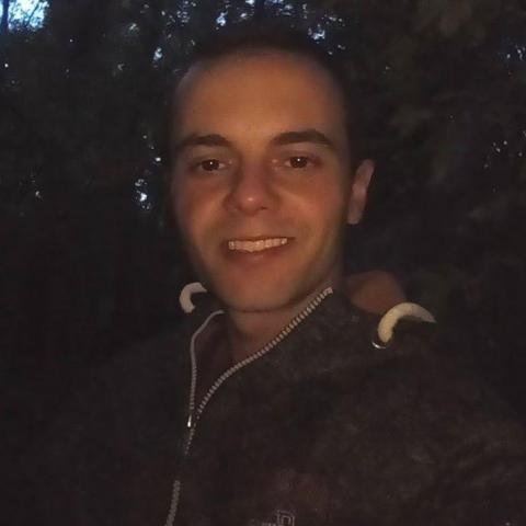 Varga, 29 éves társkereső férfi - Bár