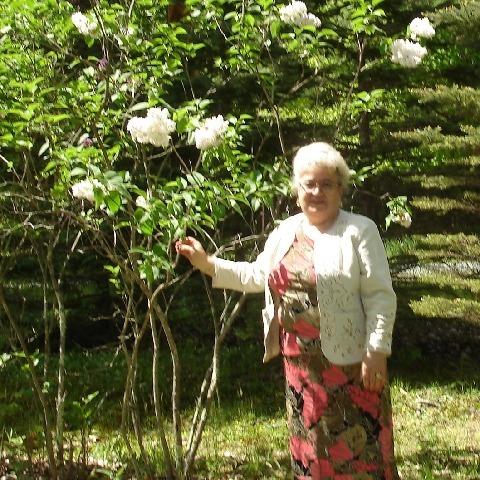 Gabriella, 79 éves társkereső nő - Pusztaszabolcs
