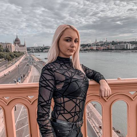 Dorka, 18 éves társkereső nő - Sátoraljaújhely