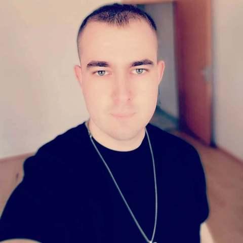 Szilveszter, 26 éves társkereső férfi - Tamási
