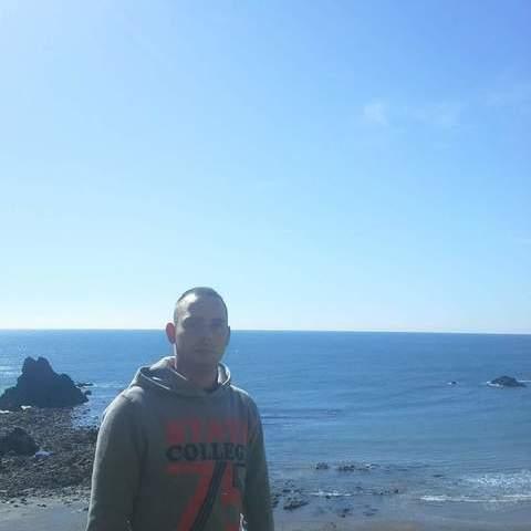 Péter, 30 éves társkereső férfi - Pécs