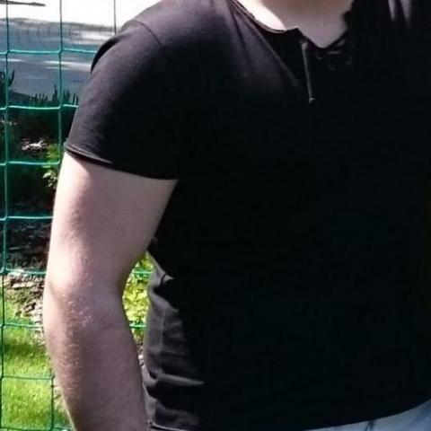 Balázs, 24 éves társkereső férfi - Paks