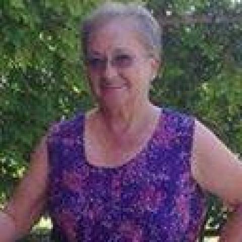 Éva, 73 éves társkereső nő - Eger
