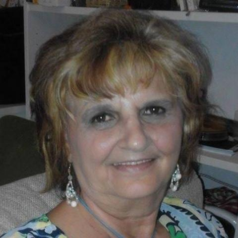 Tilda, 60 éves társkereső nő - Paks