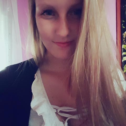 Adrienn, 21 éves társkereső nő - Ópusztaszer