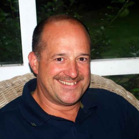 Michael, 58 éves társkereső férfi -