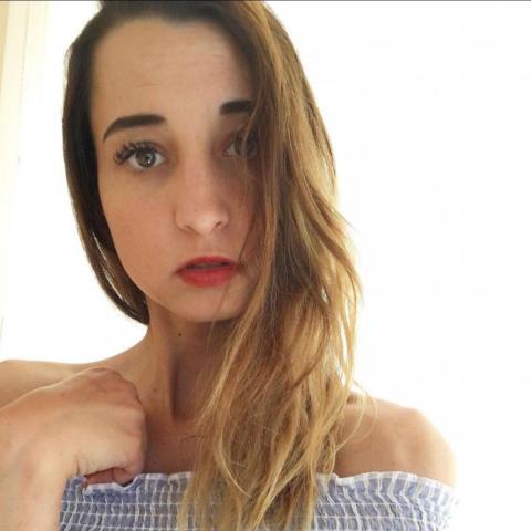 Adrienn, 26 éves társkereső nő - Keszthely