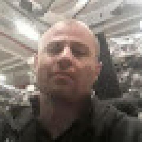 Tibor, 34 éves társkereső férfi - Komárom