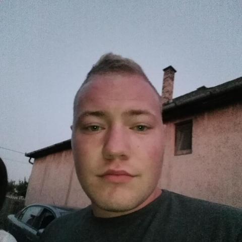 Bence, 23 éves társkereső férfi - Nyíregyháza