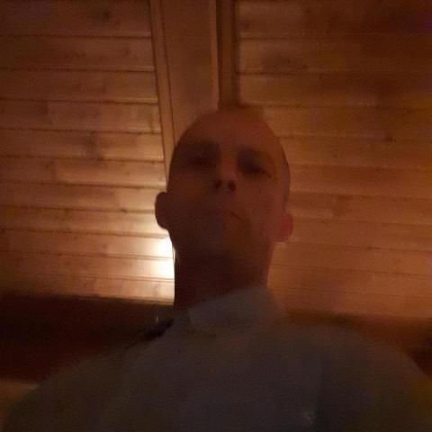 Róbert, 47 éves társkereső férfi - Kondoros