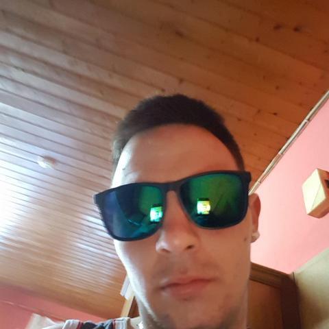 Zsolti, 28 éves társkereső férfi - Salgótarján