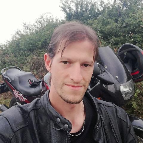 János, 28 éves társkereső férfi - Füzesgyarmat