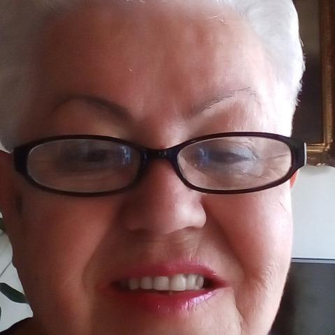 Márta, 70 éves társkereső nő - Miskolc