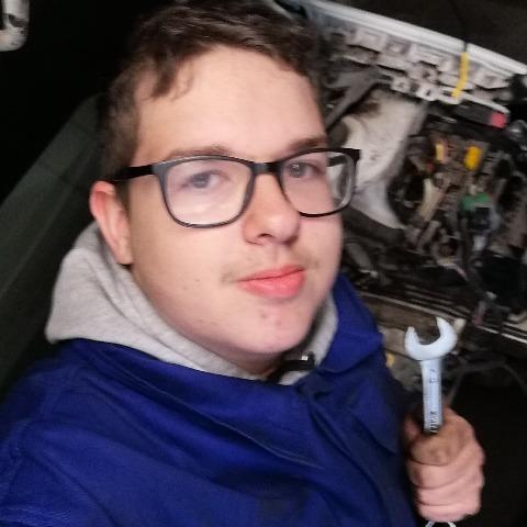 Párkányi, 19 éves társkereső férfi - Székesfehérvár