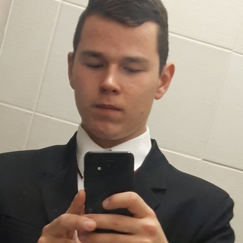 Márk, 18 éves társkereső férfi - Törtel