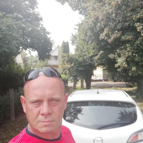 Tibor, 49 éves társkereső férfi - Nézsa