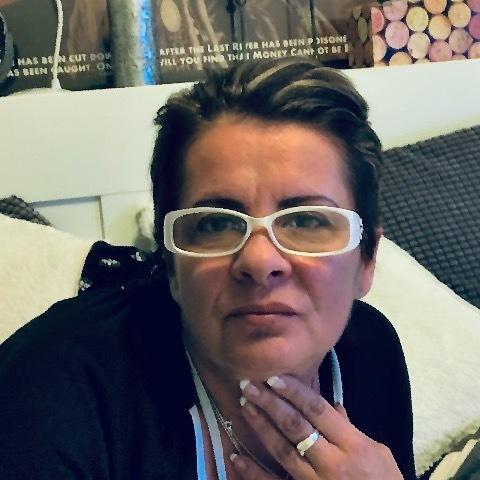 Hajnalka, 49 éves társkereső nő - Calgary