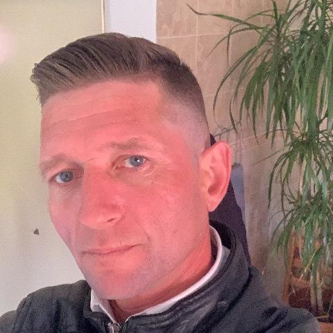 Laci, 40 éves társkereső férfi -