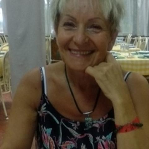 Márti, 62 éves társkereső nő - Miskolc