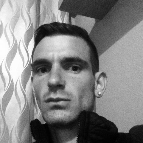 Henrik Márk, 27 éves társkereső férfi - Dunaújváros