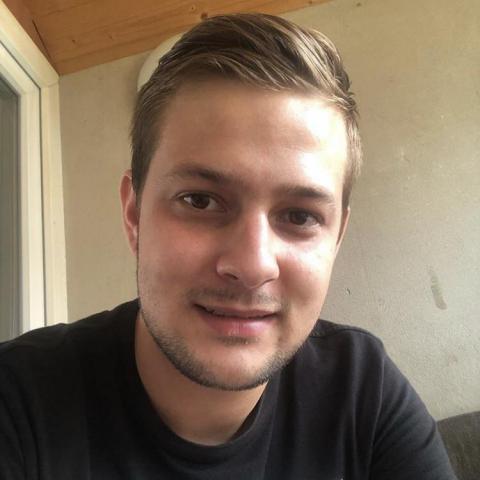 Krisztian, 24 éves társkereső férfi - Paks