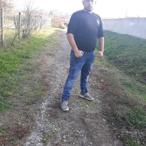 Dezső, 19 éves társkereső férfi - Ózd
