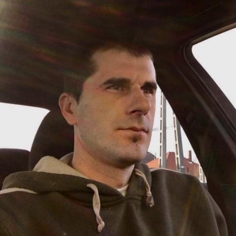 Zoli, 39 éves társkereső férfi - Pacsa