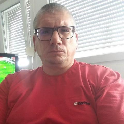 István, 45 éves társkereső férfi - Emmerich and Rain