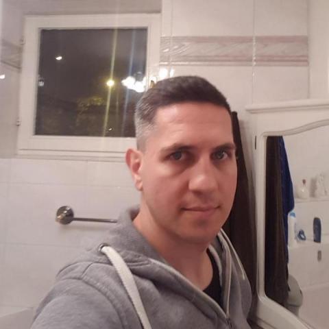 Jani, 37 éves társkereső férfi - Debrecen