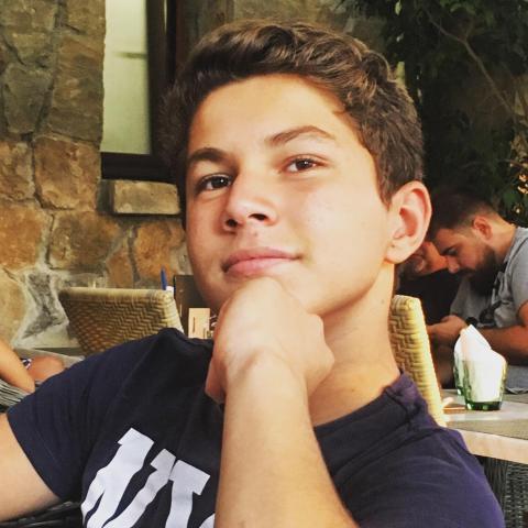 Dániel, 19 éves társkereső férfi - Budapest