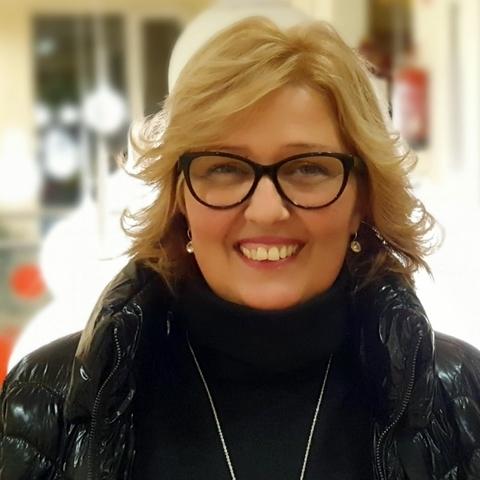 Viki, 46 éves társkereső nő - Budapest